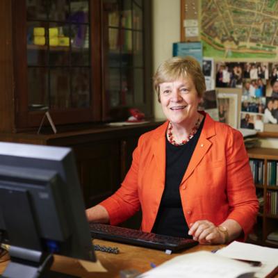 Elizabeth Koch using computer